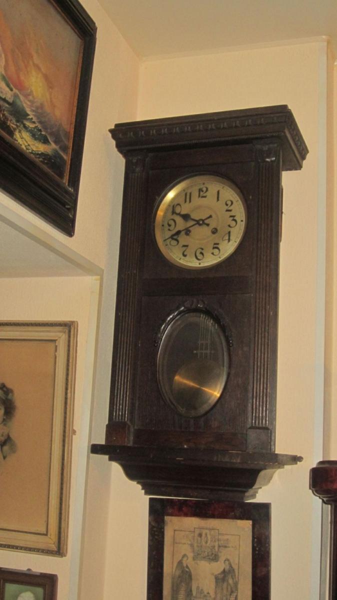 Часов стоимость старых настенных часы rado сдать ломбард